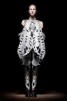Caterina Ciuffoletti - GETOUTOFYOURSKIN collection    www.muuse.com/#!designers/27-caterina-ciuffoletti    blog.muuse.com/caterina-ciuffoletti-interview-an-answer-a...