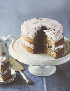 plum cake with mascarpone
