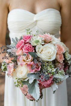 Stunning wedding flowers. Image: Gillian Ellis Photography