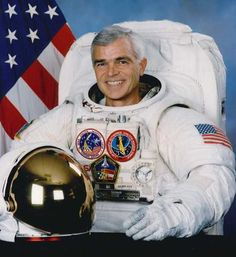 Retired NASA astronaut Rich Clifford will be the guest speaker at Parkinsons Resources of Oregons gala event May 8. He kept his Parkinsons secret for 17 years.