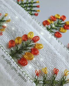 This Pin was discovered by Hat Needle Lace, Needle And Thread, Crochet Borders, Crochet Patterns, Diy And Crafts, Arts And Crafts, Thread Work, Flower Making, Hand Embroidery