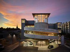 University Volkswagen Audi | Seattle, Washington | Gordon Fleener Architects | Photo © Benjamin Benschneider