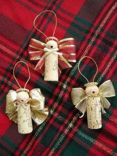weihnachtsengel-aus-Sektkorken-Recycle-art-ideen-günstige-dekoration-basteln