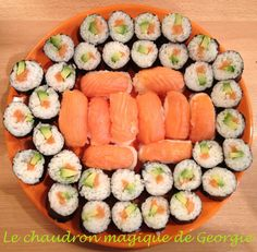 Sushi and Makis Cooking vinegar rice with Thermomix Sushi Recipes, Asian Recipes, Cooking Recipes, Healthy Recipes, Ethnic Recipes, Cooking Vinegar, Sashimi Sushi, Vegan Casserole, Salty Foods