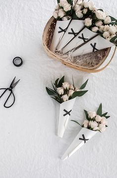 DIY Mini Bouquets -