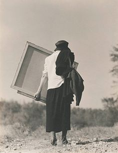 Georgia O'Keefe by Alfred Stieglitz, the avant-garde photographer and gallerist who later became her husband, created a series of more than 300 photographs of O'Keeffe during the course of his life.