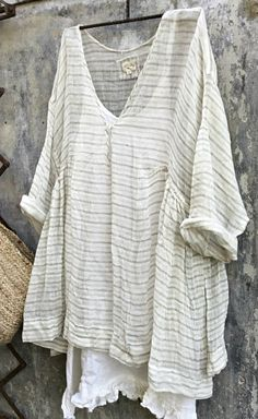 Casual Sleeve V Neck Striped Bat Sleeve Tops – linenlooks Estilo Folk, Bat Sleeve, Plus Size Kleidung, Casual Tops For Women, Boho, Types Of Sleeves, Women's Dresses, Plus Size Outfits, Casual Shirts
