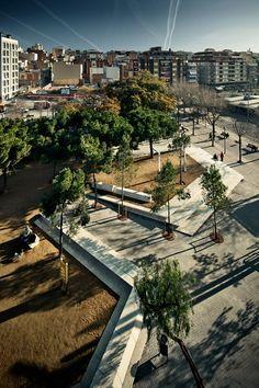 Batlle i Roig | Landscape Barcelona. Ocellets Park. Photography: www.jordisurroca.com
