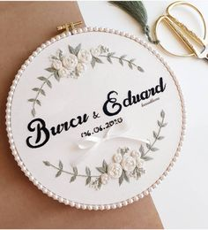 Hand Embroidery Patterns Flowers, Basic Embroidery Stitches, Hand Embroidery Videos, Embroidery Flowers Pattern, Embroidery Sampler, Simple Embroidery, Learn Embroidery, Embroidery Hoop Art, Hand Embroidery Designs