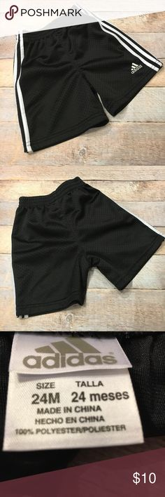 Adidas Athletic Shorts ✔️EUC Adidas Athletic Shorts ✔️Pull on style ✔️Elastic waistband ✔️Side, thigh and back pockets ✔️Excellent, like new condition. No rips, tears or stains. Seat in great condition. adidas Bottoms Shorts