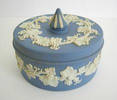 deckeldose bonboniere porzellan neuendorf in antiquit ten kunst porzellan keramik. Black Bedroom Furniture Sets. Home Design Ideas
