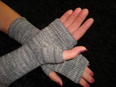 CSM Fingerless Gloves pattern by Melody Cowan This is a pattern for the Circular Sock Machine. It is written with the understanding that a person Loom Knitting, Knitting Socks, Knit Socks, Diy Crafts Jewelry, Yarn Crafts, Addi Express, Circular Knitting Machine, Fingerless Mitts, Knitting Accessories