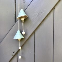 Two delicate ceramic bells with a matt turquoise glaze and several beads. They can be used inside or outside the house, tied to a branch in the garden, against a wall or before a window. Gift wrapping with ceramic charm included. Pottery Designs, Handmade Ceramic, Turquoise, Etsy, Home Decor, Fimo, Decoration Home, Room Decor, Green Turquoise