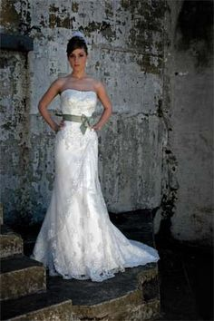 my wedding dress #rozlakelin 2008 collection. Ribbon was white however