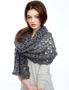 Di seguito il bravissimo autore del canale The Crochet Crowd ci insegna a realizzare un bellissimo scialle all'uncinetto