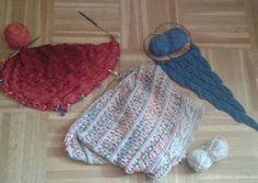 L'état des lieux des en-cours  #wip #onmyneedles #surmesaiguilles #tricot #knitting #neverenoughshawls #shawl #ilovetoknit #wooliscool #knittersofinstagram #proudknitter #alwaysknitting #knits by emyd03