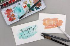 Happy Birthday - DIY Geburtstagskarten - Aquarellhintergrund mit Handlettering - Anleitung auf eineckig.com