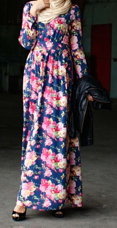 Navy Rose Maxi Dress With Long Sleeves And Floral Print
