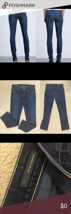 """Citizens of Humanity Ava low rise straight leg COH low rise straight leg size 25. In EXCELLENT condition as shown. Inseam is 34"""" 😜I do have a newborn and 4 year old at home and if I don't get back to you right away it's probably because they have taken me hostage.  👎🏻 no trades or Paypal 👊🏻 please no lowball offers ✔️all items come from a smoke free home 🎁 gift wrapping and personalized note available for only $.99 🛍Thank you for shopping my closet Anthropologie Jeans"""