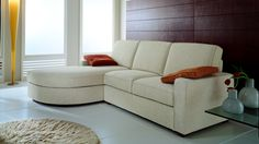 Particolare nel confort e nello stile, si differenza per i suoi cuscini di schienale composti da due imbottiture differenti. I vari elementi che lo compongono permettono di arredare gli ambienti con diverse soluzioni. http://www.eversalotti.it/divani-moderni/milord.html