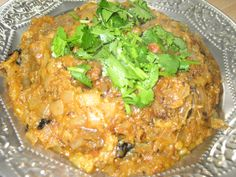 Side Gravy for Biryani - Biryani Side dish — Spiceindiaonline Naan Recipe Without Yeast, Curry Leaves, Indian Dishes, Biryani, Side Dishes Easy, Salmon Burgers, Gravy, Meal Prep, Cooking Recipes