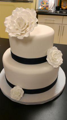Fondant White Roses and Navy Blue wedding cake