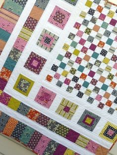 Quilting Ideas Image of Bricks and Stones Quilt Pattern (pdf file) - This modern and original quilt pattern has been prepared with the beginner quilter in mind. It is a versatile pattern, with use of scrap fabric. Colchas Quilting, Quilting Projects, Quilting Designs, Quilting Ideas, Quilting Tutorials, Scrap Quilt, Scrap Fabric, Postage Stamp Quilt, Patchwork Quilt Patterns