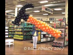 Giant Hammer Balloon.