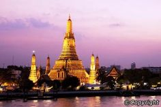 Visit the temples of Wat Chaeng