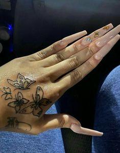 Girly Tattoos, Pretty Tattoos, Sexy Tattoos, Body Art Tattoos, Tattoo Ink, Xoil Tattoos, Tattoo Flash, Forearm Tattoos, Sleeve Tattoos