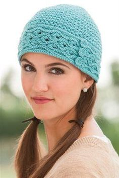 The start stitch around the band of this crochet hat is gorgeous! Picea Hat - Media - Crochet Me