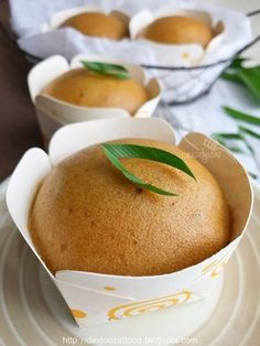 Easy & Cute Gula Melaka Steamed Cake aka Ma Lai Gao recipe - This recipe is without butter. It's soft, fragrant and super easy to prepare. Taste really good, ideal for breakfast or snacks anytime. Cute Bear Steamed Cupcakes.
