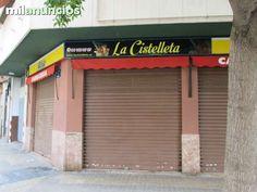. Ref: 30070 L. Local comercial de 110 m2 esquinero en zona de Extramurs. Ideal para cualquier tipo de negocio.