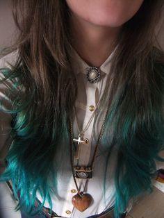 Schwarzkopf Live colour XXL Absolute platinum, and then La Riche turquoise!
