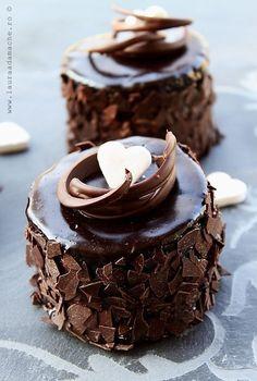 Mini chocolate cakes