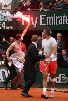 French Open Protester: Man Lights Flare, Interrupts Final Between Rafael Nadal, David Ferrer (VIDEO)