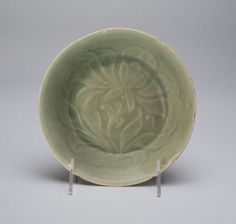 Bowl with Stylized Flowers and Leaves Mid to Late 12th century Goryeo dynasty From the Art Institute of Chicago.