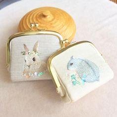Handmade  Hamster and little rabbit  Finished!! 二つ完成✨ まだゴールデンウィークあるけど、更に作れるだろうか〜(;´Д`A 時間がいっぱいほしい!  #handmade #DIY #embroidery #ハンドメイド #broderie #刺繍 #вышивка #イラスト #자수 #手作り #ハムスター #うさぎ