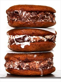 Nutella frangelico ice cream sandwiches. What exactly is an adults only dessert? Read more at Mamamia.com.au.