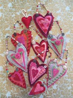 recycled felted sweater hanging hearts - Quilting Daily, by Kelly Henderson.These are beautiful! Valentines Day Hearts, Valentine Day Crafts, Valentine Decorations, Valentine Heart, Printable Valentine, Homemade Valentines, Valentine Wreath, Valentine Ideas, Kids Crafts