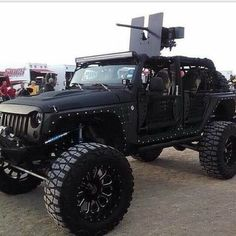 Random Pictures Of The Day 69 Pics. I want to do this to my jeep. Jeep Jk, Black Jeep Wrangler Unlimited, Wrangler Jk, Jurassic Park Jeep, Badass Jeep, Trophy Truck, Dump A Day, Cool Jeeps, Cool Gear