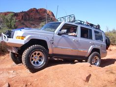lifted jeep commander | Lift Kits for the Jeep Commander