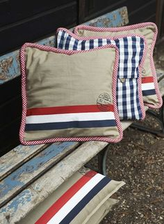 at home by marieke Cushions, Pillows, House Warming, Holland, Diaper Bag, Projects To Try, Bedroom Boys, Cozy, House Styles