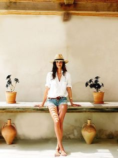 Great island look! Perhaps with one of our Oscar Naturals?  www.sunhats.co.za