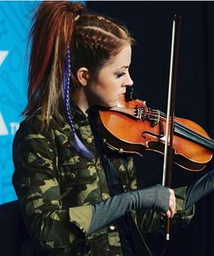 Lindsey was at #ClearLink yesterday. Also uploaded a video about it to YouTube :) ( by @kozikphotography)  #lindseystirling #lindsey #violin #violinist #blueeyes #orange #cute #pretty #perfect #beautiful #beauty #sweet #youtube #youtuber #redhead #love #ksll #positivity #music #dance #inspiration #dancer #dancing #stunning #lindseylove #braveenough #tour #braveenoughtour #❤