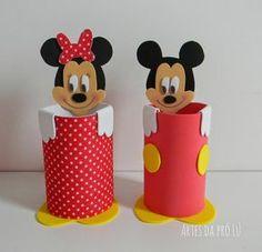 Artes da Pró Lú: Lembrancinhas em E.V.A tema: Mickey Mouse Mickey Mouse Crafts, Mickey E Minnie Mouse, Fiesta Mickey Mouse, Mickey Mouse Clubhouse Birthday, Mickey Mouse Parties, Mickey Party, Mickey Mouse Birthday, Kids Crafts, Diy And Crafts