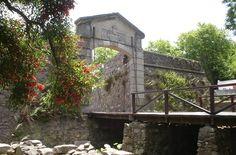 Antiguo portal y muralla de Colonia del Sacramento. Uruguay.