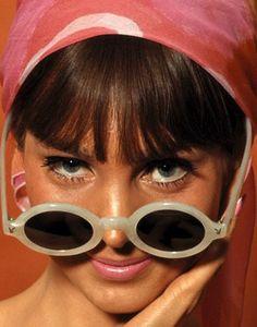 60s sunglasses http://1960sfashionstyle.com/vintage-sunglasses/
