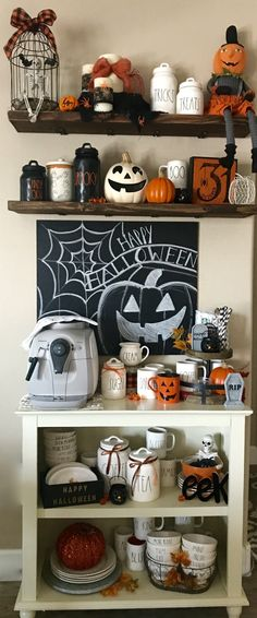 Creepy and Unique Halloween Kitchen Decorations Design - Halloween Inspo, Halloween House, Spooky Halloween, Holidays Halloween, Halloween Crafts, Happy Halloween, Halloween Decorations, Halloween Queen, Kitchen Decorations