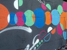 Street Art in Paris: Some Fascinating Examples in Pictures: Meeting the Artists at Living Colors